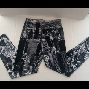 Leggings W/ New York City Landscape Size L